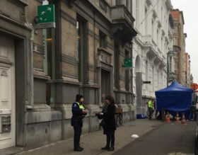 'Twintig tot dertig kluizen opengebroken in Antwerpse bank'
