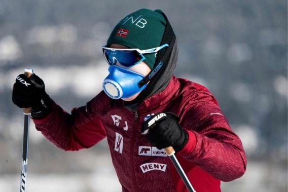 WB biatlon: puffertjes en maskers tegen bijtende koude in Canada maar Johannes Thingnes Boe blijft winnen