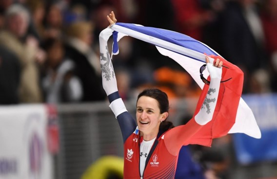 Tsjechische Martina Sablikova pakt op 3.000 meter achttiende wereldtitel op WK schaatsen