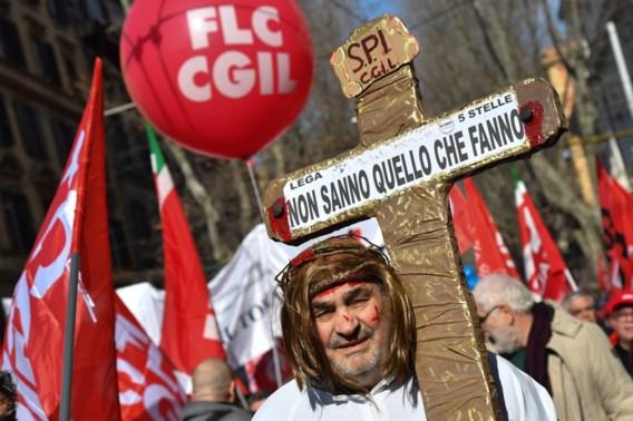 Honderdduizenden mensen op straat in Italië