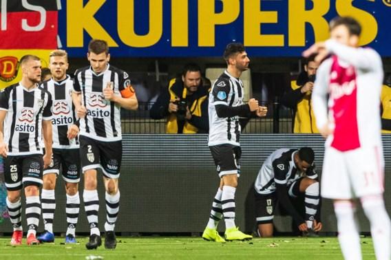 Ajax doet met nederlaag tegen Heracles opnieuw een slechte zaak in titelstrijd