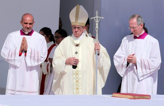 Paus roept gelovigen op hun zonden tegenover klimaat te erkennen
