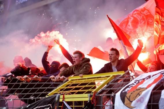 """Standard reageert op """"supporters"""" die Anderlecht-fans en zelfs ziekenwagen aanvielen: """"Dit keuren we ten zeerste af"""""""