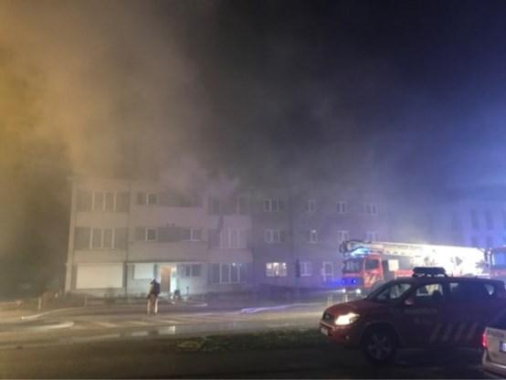 Vrouw in levensgevaar na sprong uit raam van brandend appartement