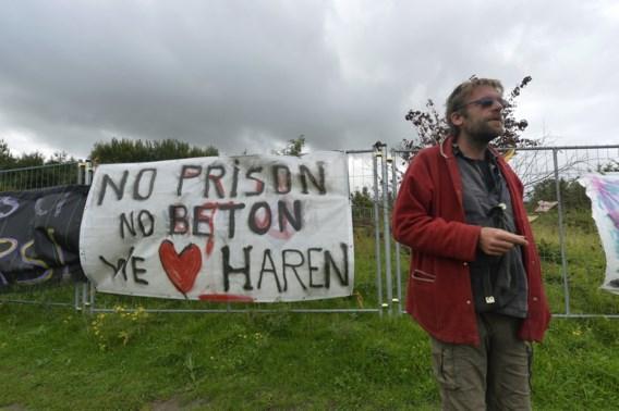 Actievoerders blokkeren bouwwerf gevangenis Haren