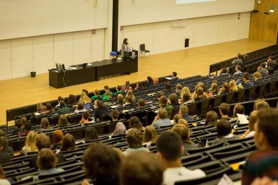 Jonge academici klagen tekort aan vrouwelijke professoren aan