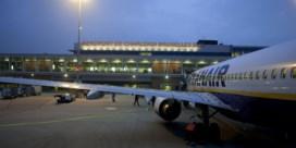 Vliegverkeer woensdag zwaar verstoord: Charleroi dicht, luchtverkeersleiders staken ook
