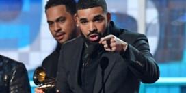 Speech van Drake plotseling afgebroken door reclameblok