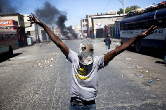 Gewelddadige demonstraties leggen Haïti voor vijfde dag op rij lam