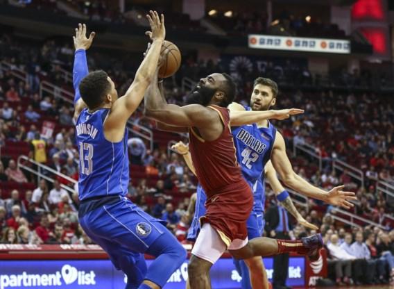 NBA. James Harden blijft scoren aan lopende band, Russell Westbrook doet er nog maar eens een triple double bij