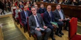 Advocaten Catalaanse politici noemen rechtszaak 'vaudeville' en willen koning Felipe oproepen
