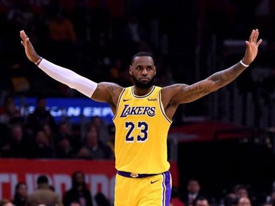 LeBron James blijft best betaalde speler in NBA (met jaarlijks inkomen om van te duizelen)