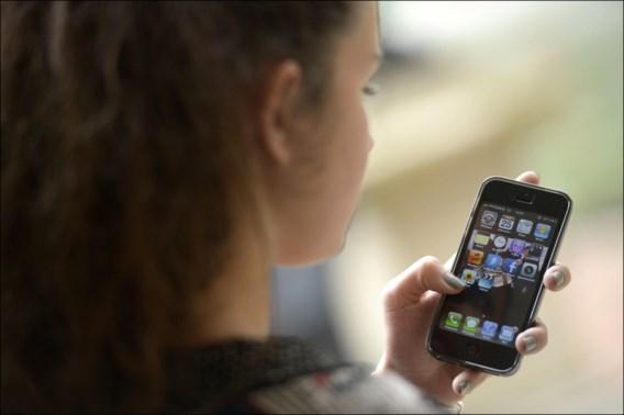 Politie waarschuwt voor 'seksuele jagers' op populaire app voor jonge meisjes