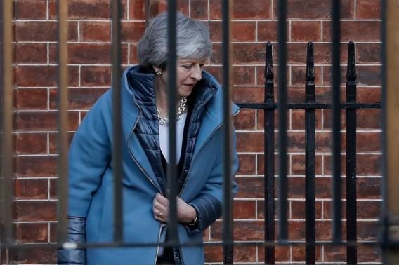 Nieuwe klap voor May: partijgenoten weigeren Brexit-strategie te steunen