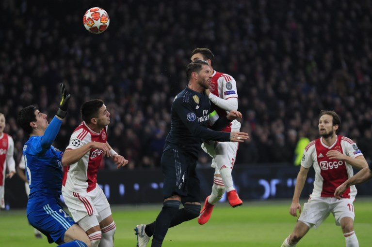 Sterk Ajax toch nog de boot in tegen Real Madrid, Courtois komt goed weg na VAR-ingreep
