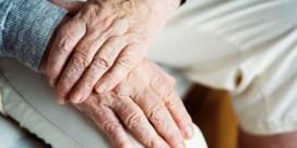 Hoe ga ik om met het aftakelen van mijn bejaarde ouders?