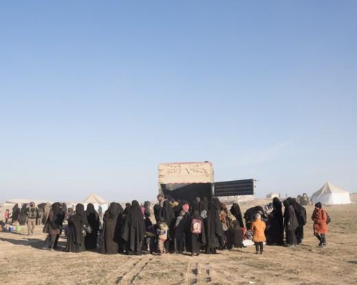 Vrouwen van Belgische strijders geëvacueerd uit laatste IS-enclave