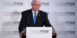 Pence verwacht applaus voor Trump maar krijgt gênante stilte in de plaats