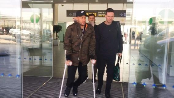 Neymar revalideert verder in Brazilië: speciale therapie moet ster van PSG doen genezen