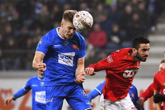 Sterk AA Gent blijft in de running voor Play-off 1 na zege tegen Standard