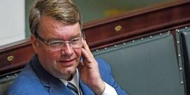 Jan Penris (Vlaams Belang) trekt zich tijdelijk terug uit politiek na dronken uithaal