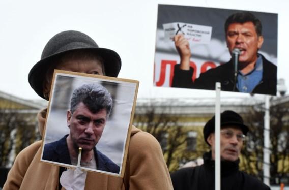 Duizenden gedenken moord op Boris Nemtsov