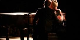 Lady Gaga en Bradley Cooper zorgen voor meest romantische moment van de Oscars