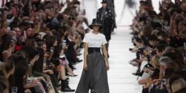 Dior brengt ruitjes en lange jurken terug