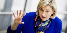 Bezorgde leerkracht stuurt open brief aan minister Crevits: 'Lesgeven wordt precies bijzaak'