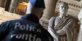 Politie moedigt privé-taallessen aan