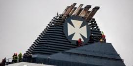 Migranten bestormen veerboot in Calais