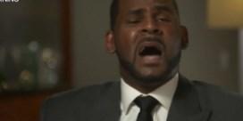 R. Kelly in tranen uit bij vragen over misbruikklachten tegen hem