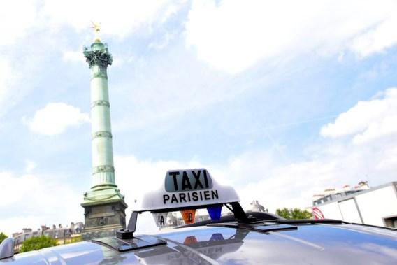 Parijse taxichauffeur steekt fan Manchester United neer