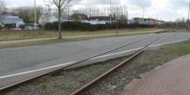 Burgemeester wil gevaarlijke spoorwegovergangen fietsvriendelijker maken