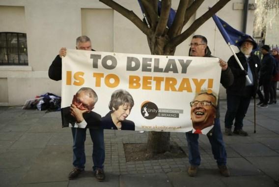 Brits parlement vraagt uitstel voor Brexit