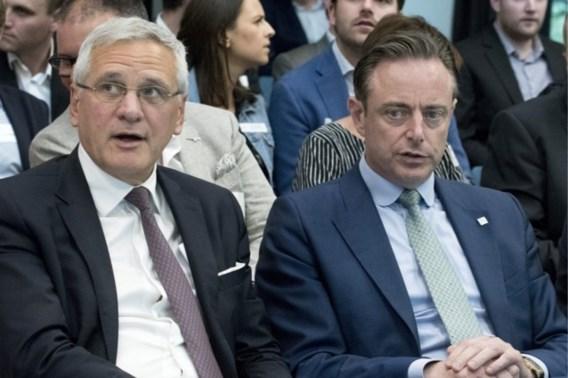 Kris Peeters reageert scherp op uitspraken van Bart De Wever: 'Dat doe je niet'