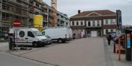 Auto's verdwijnen op Boomgaardplein voor oude gemeentehuis