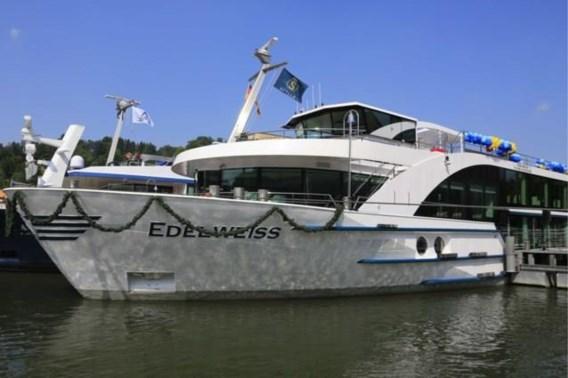 Cruiseschip geëvacueerd na botsing met vrachtschip in Nederland
