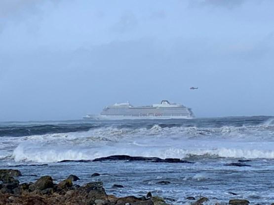 Twee schepen in de problemen bij Noorwegen, 1.300 passagiers cruiseschip geëvacueerd