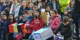 Schoolkinderen herdenken slachtoffers aanslagen Brussel
