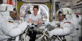 Trump wil binnen vijf jaar de eerste vrouw op de maan