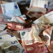 Zo herken je valse eurobiljetten: kijken, voelen en kantelen