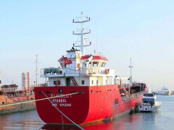 Geredde migranten kapen hun schip