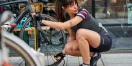 Welke items maken het verschil in een snelle fietsoutfit?