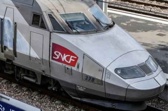 Treinpersoneel TGV zet meisje (4) station te vroeg af