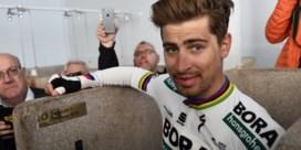 """Peter Sagan krijgt naamplaatje in oude douches van Parijs-Roubaix: """"Ik dacht een rustig momentje te hebben..."""""""