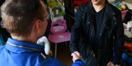 Ex-dakloze schenkt Borgerhoutse hulporganisatie 6.000 euro