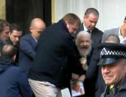 'Julian Assange zal uitlevering aan VS juridisch aanvechten'
