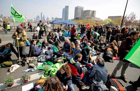 Duizenden klimaatbetogers op straat in Londen