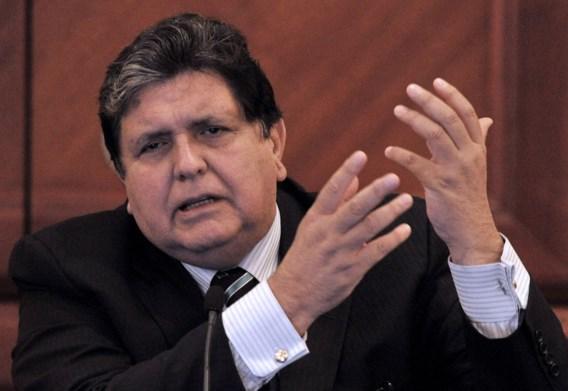 Ex-president Peru schiet zichzelf neer om te ontsnappen aan corruptieonderzoek